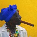 Cuba, Donna anziana con sigaro
